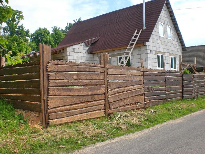 Забор для дачи своими руками: бюджетные и оригинальные